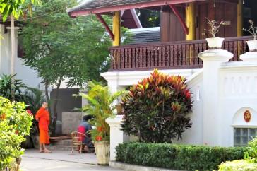Dia a dia dos monges no Wat Xieng Thong