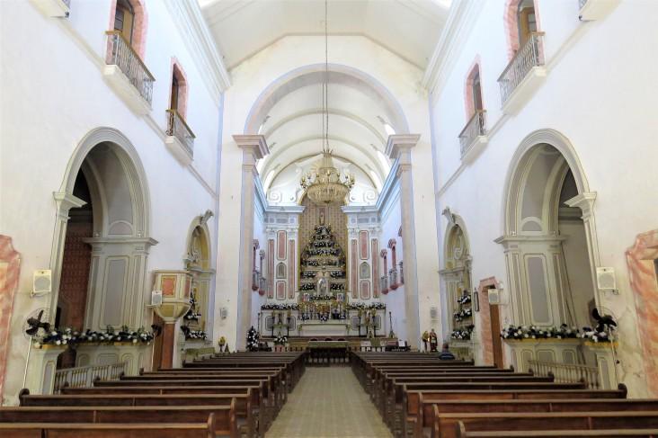 Interior da Igreja Matriz de Nossa Senhora dos Remédios