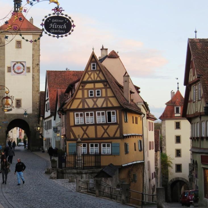 Plönlein, o famoso cruzamento de Rothenburg ob der Tauber