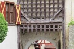 Detalhe das lanças do portão