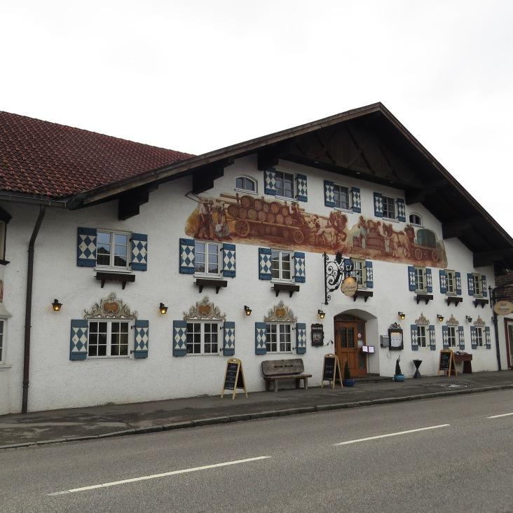 Restaurante s' Wirtshaus im Weinbauer em Schwangau.