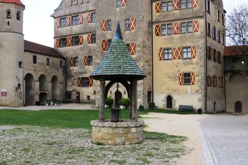 Detalhe do poço no castelo de Harburg