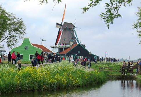 Linda paisagem em Zaanse Schans.