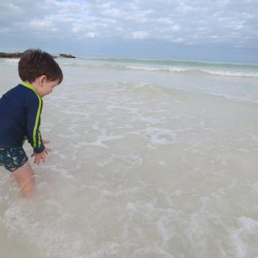 Descoberta: as mãozinhas tocam a água