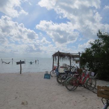 Estacionamento de bikes em Punta Cocos