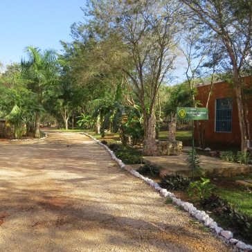 Tranquilidade dos jardins da Hacienda Selva Maya
